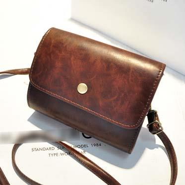 Sling Bag Simple Design Bahan Pu Leather Mulus Coklat TF892