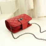 Sling Bag Mini Simple Design With Clip Lock Merah TF882-3